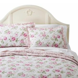 SIMPLY SHABBY CHIC Garden Rose Quilted Ruffle SHAM